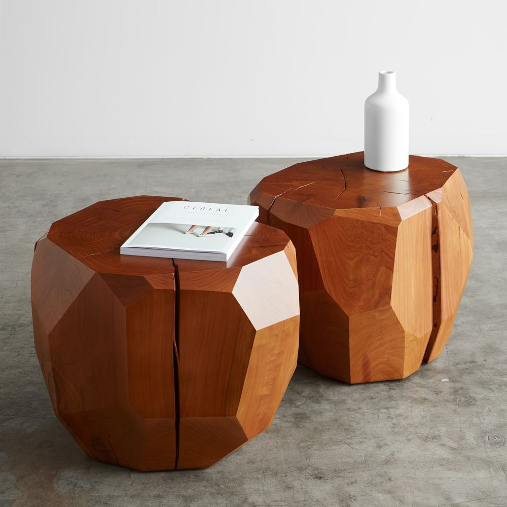The Onda square ottoman by Poliform in soft leather upholstery was created back in 2003, but still accompanies the collections of the famous brand.  Source: poliform.it