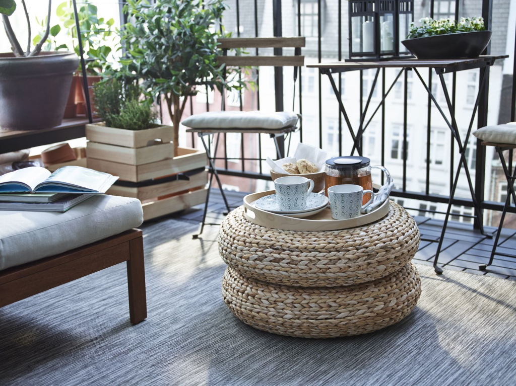 The design of the IKEA Alseda pouf is based on a round frame covered with banana leaves.  Source: apartmenttherapy.com