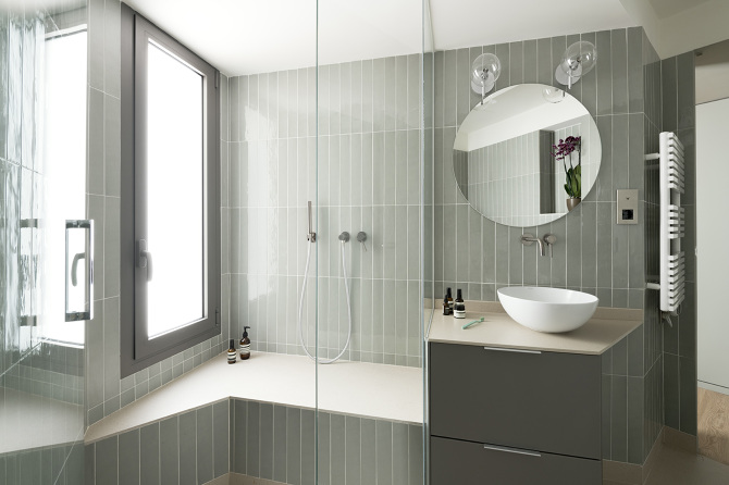 Bathroom from the T111 Apartment project in Barcelona by Colombo & Serboli Architecture.  Photo: colomboserboli.com