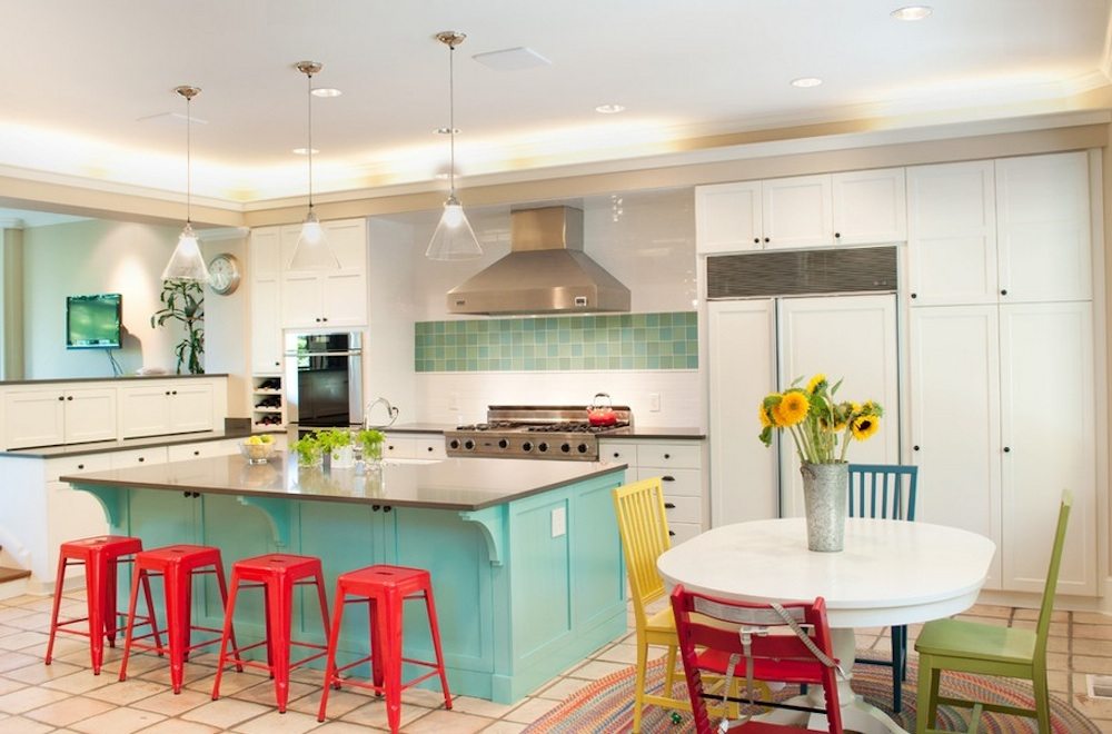Primary and secondary colors instantly brighten any space.  Photo: Tammara Stroud Design
