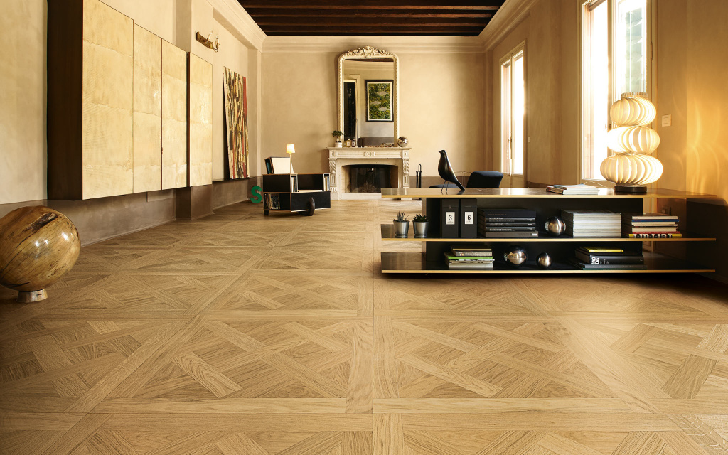 Parquet from the Deco collection of the Italian company Listone Giordano.  The collection is inspired by the wood floors that adorn palaces in central and northern Europe.